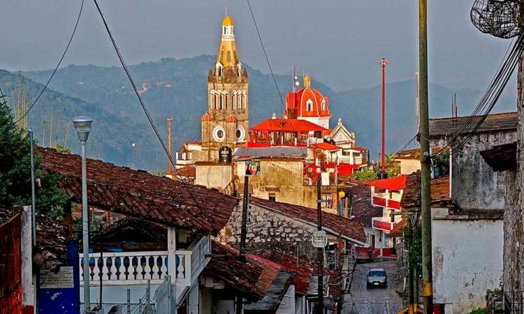 Cuetzaltecos se suman a la lucha de Huitzilan y Ocoyucan en las elecciones