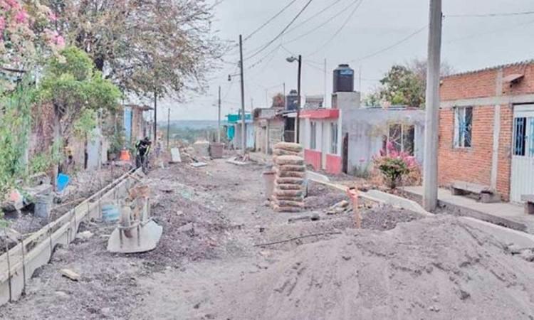 Solicitan habitantes de la localidad Escape de Lagunillas pavimentación para sus calles