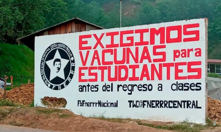 Peligro inminente el regreso a clases sin vacuna, alumnos denuncian la falta de atención en Ahuacatlán