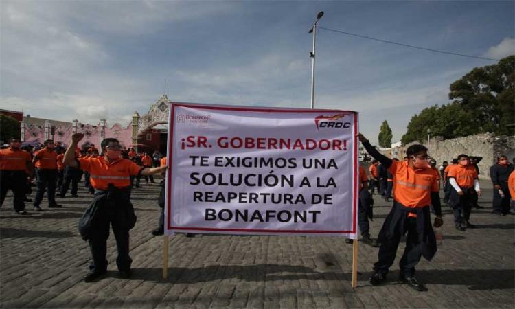 Protesta de trabajadores de Bonafont en Casa Aguayo