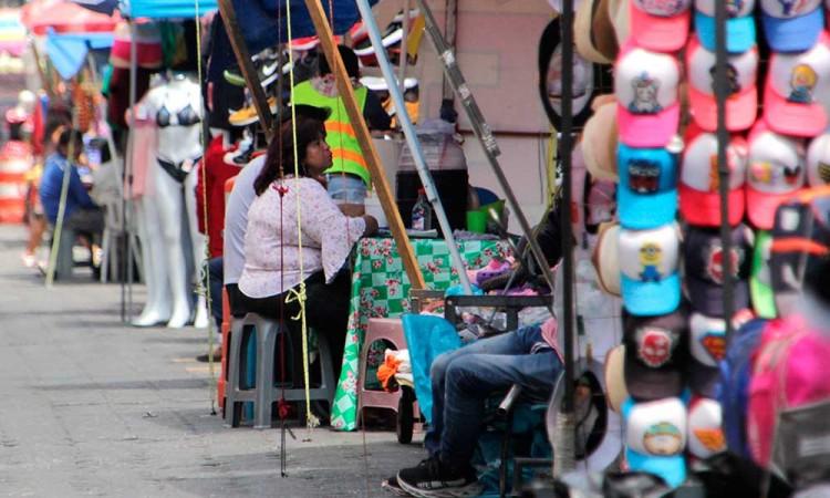 En México, vendedores ambulantes ganan más que profesionistas en menos tiempo