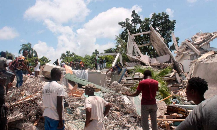 Sismo de 7.2 grados devasta Haití