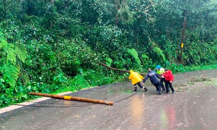 Grace deja daños en 64 municipios de la entidad poblana