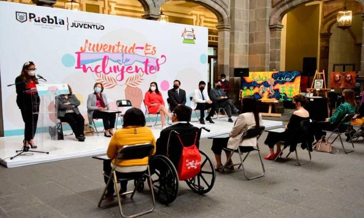 Entrega Ayuntamiento de Puebla reconocimientos a la juventud destacada en diversos ámbitos de acción
