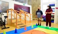 Abre SMDIF nueva área de fisioterapia para personas adultas mayores
