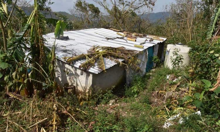 En Olintla, exigen a Barbosa atención para los damnificados por Grace