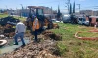 Ante nula respuesta del gobierno, habitantes mejoran condiciones del drenaje al sur de Puebla