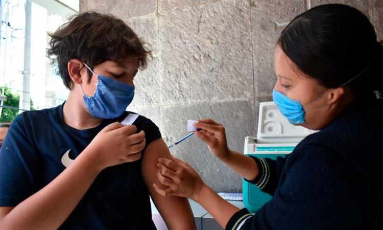 Cómo obtener un amparo para vacunar contra el Covid a tus niños