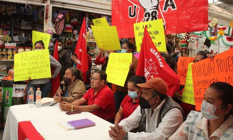 Persisten los conflictos entre locatarios del Mercado Amalucan, la remodelación sigue detenida