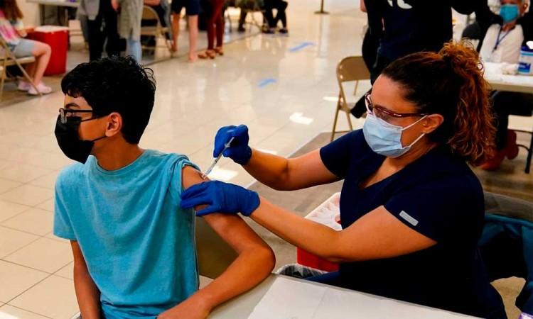 Avanzan las condiciones para la vacunación de menores en México