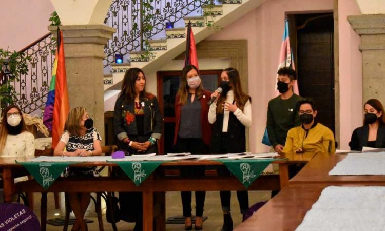 Ayuntamiento de Puebla firma convenios con ONGs para erradicar la violencia de género