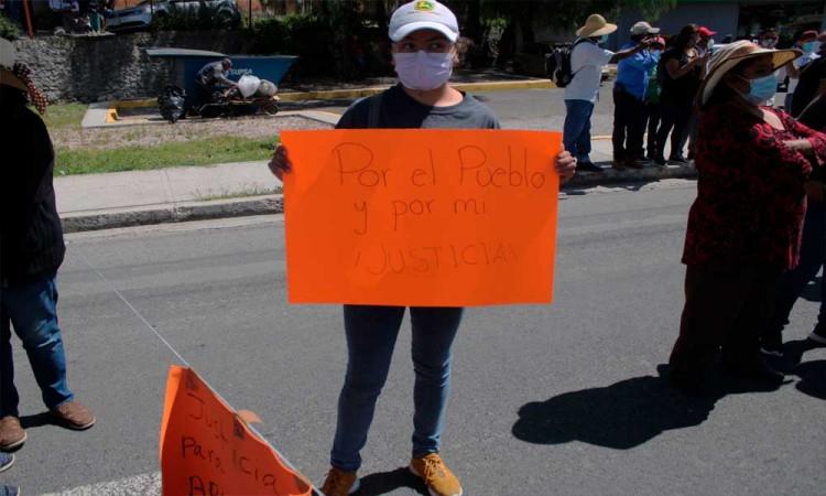 Habitantes de San Francisco Totimehuacan bloquean boulevard Valsequillo