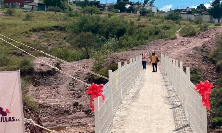 Toño lopez inaugura puente peatonal en Colonia Maria Auxiliadora