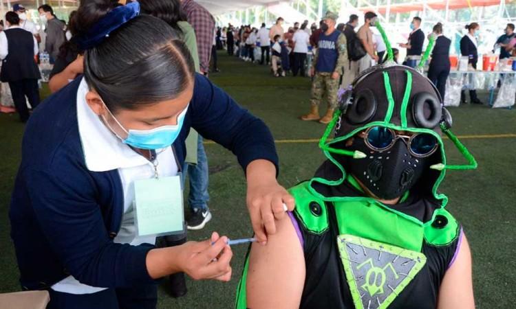 Inicia vacunación para jóvenes de 18 a 30 en Puebla capital este viernes