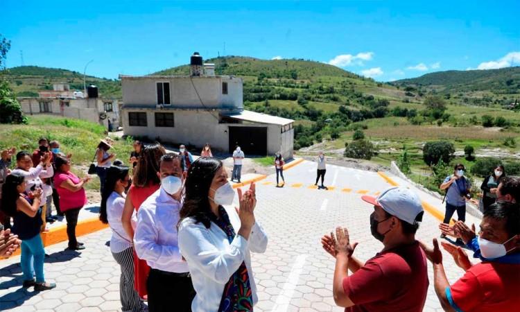 Impulsa Ayuntamiento de Puebla infraestructura vial y deportiva en San Baltazar Tetela