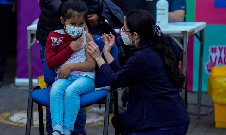 Juez ordena al Gobierno Federal vacunar a todos los menores de entre 12 a 17 sin importar estado de salud