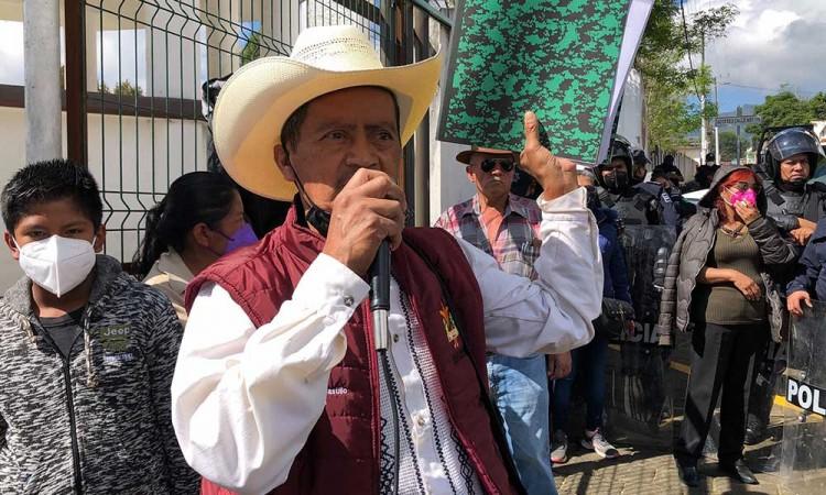 Protestan contra Gustavo Vargas en su tercer informe de gobierno en Huauchinango