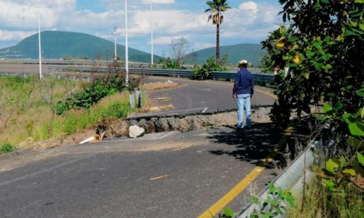 Vandalismo originó el supuesto socavón en la Autopista Siglo XXI