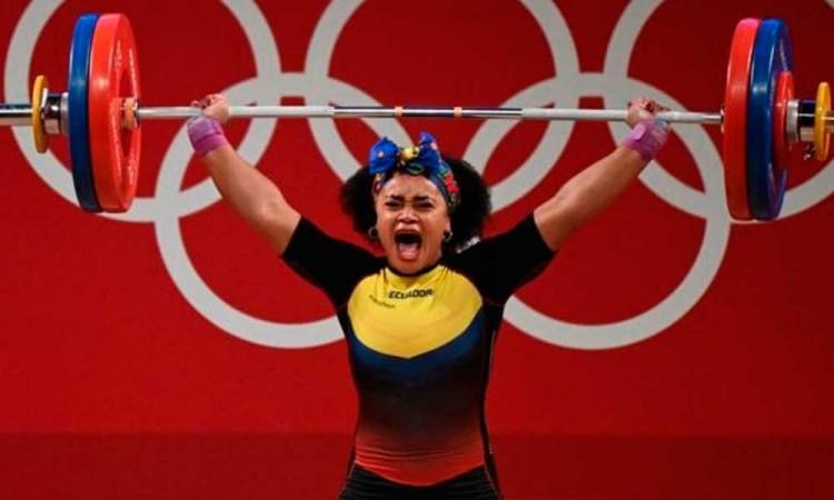 Halterofilia ¿un deporte para hombres? La atleta Neisi Dajomes hace historia para Ecuador