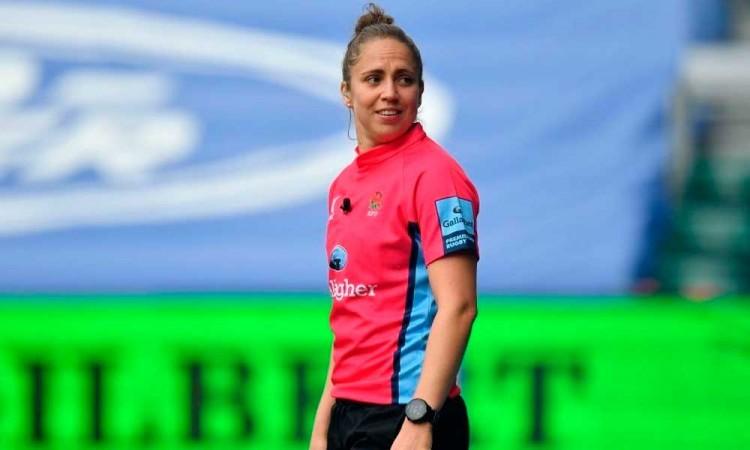 Conoce a Sara Cox, la primera árbitra que oficia un partido en la Premiership Rugby de Inglaterra