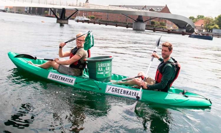 ¿Un viaje en kayak gratis a cambio de basura? En Europa es posible, conoce GreenKayak