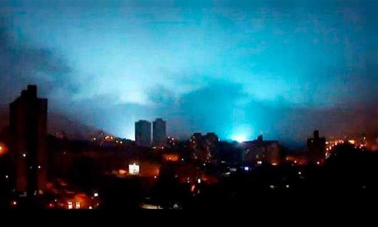 ¿El cielo te avisa cuando va a temblar? Aquí te explicamos qué son las luces que se vieron en el cielo durante el sismo de anoche