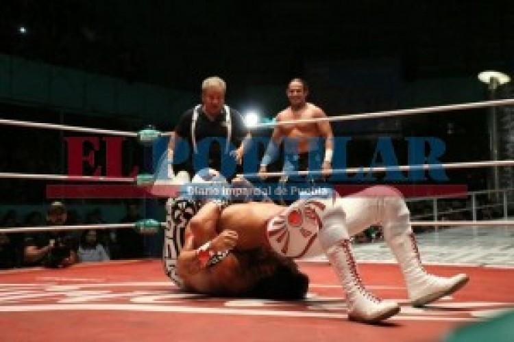 Místico se impone en la Arena Puebla