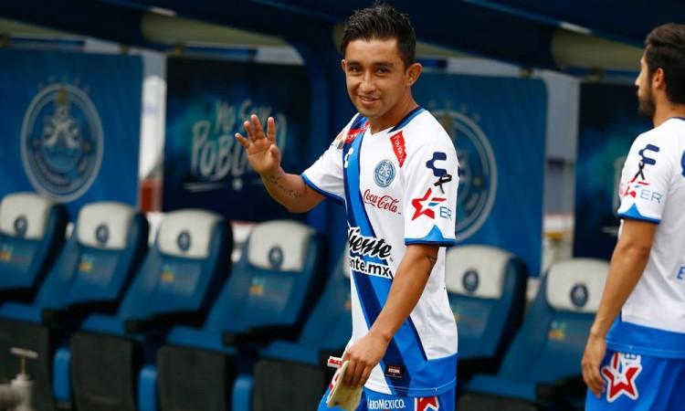 Deja Hobbit Bermúdez al Club Puebla
