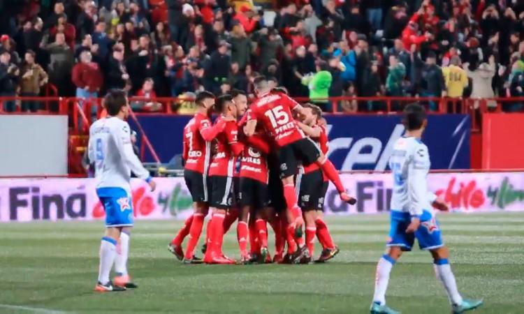 Vive Club Puebla un viernes 13 de terror con goleada