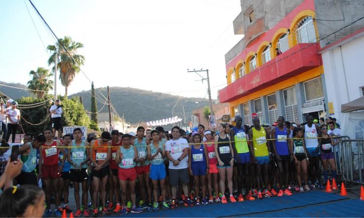 Reúne la Carrera Migrante a 200 atletas