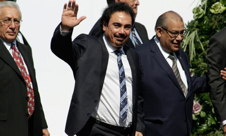 Investigará Hugo Sánchez antes de comprar al Club Puebla