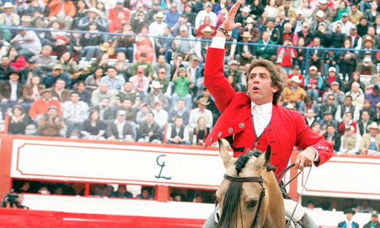 Recibe Val'Quirico a Pablo Hermoso en tarde de toros