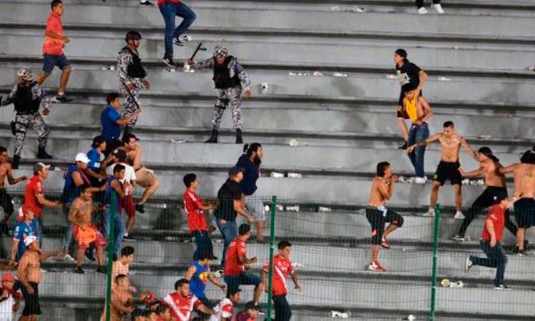 Desata violencia triunfo de Tigres en Veracruz