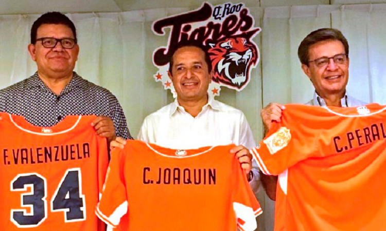 El Toro Valenzuela, nuevo dueño de Tigres de Quintana Roo