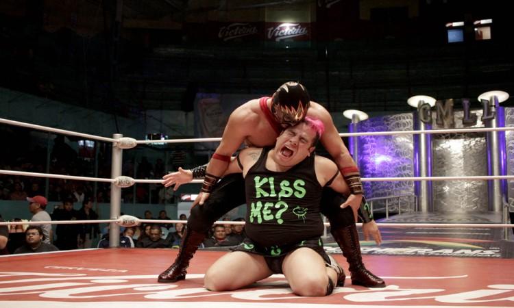 ¡Cuando comas luchador quítale lo rudo!