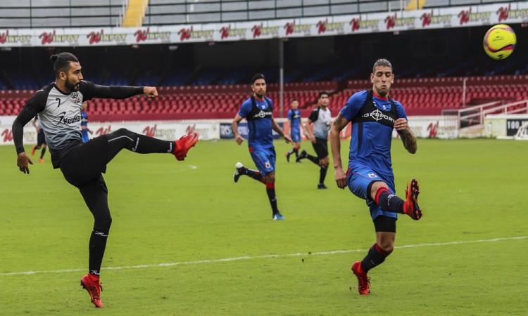 Confía Escoto en llegar a buen nivel para el debut en Torreón