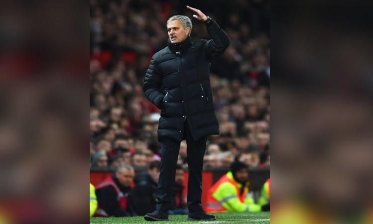 Niega Mourinho salida del ManU