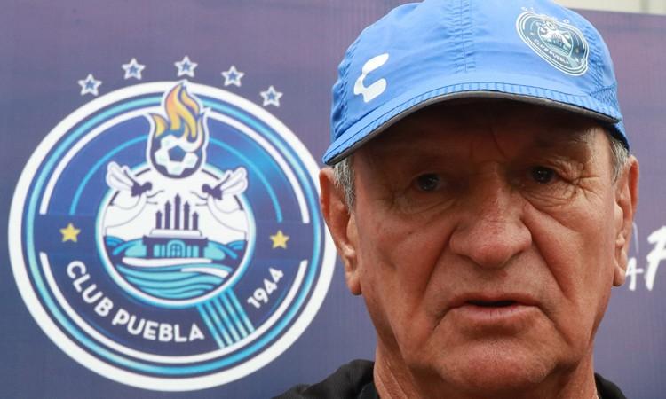 Acepta Ojitos Meza interés por el portero Nicolás Vikonis
