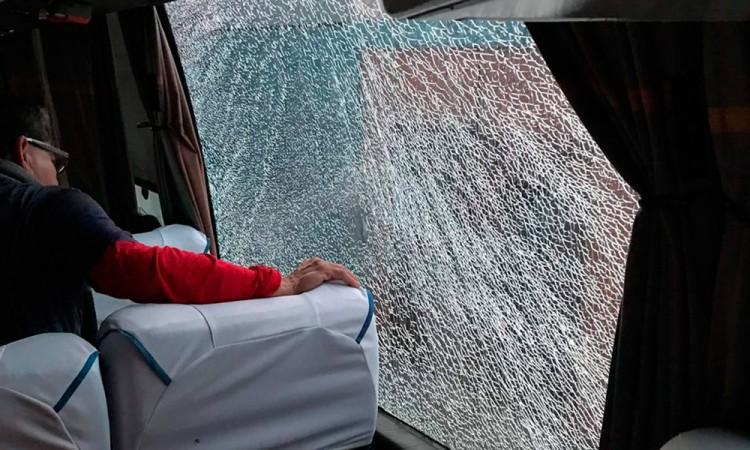 Reciben a pedradas a aficionados del Veracruz en Puebla