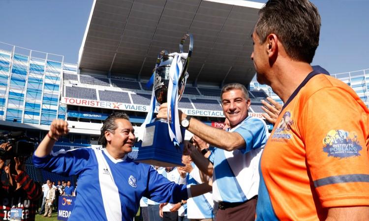 Apoyos a Copa Champions por encima de becas deportivas