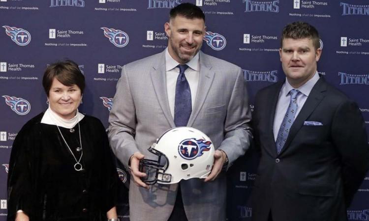Presenta Titans a su nuevo coach
