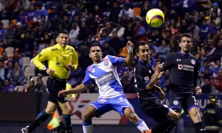 Pierde Club Puebla lo invicto ante Cruz Azul