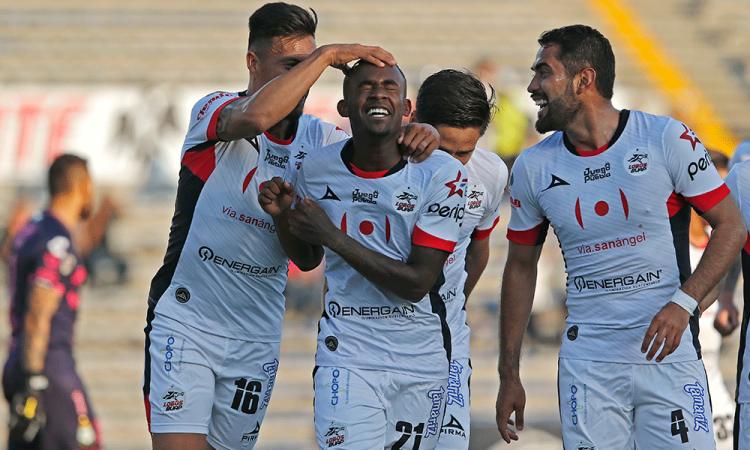Debuta Lobos BUAP con triunfo sobre Santos Laguna
