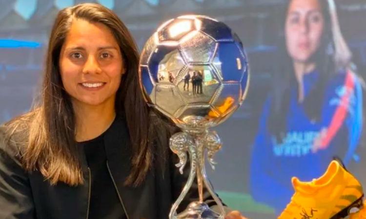 Kenti Robles, Mejor Jugadora latinoamericana