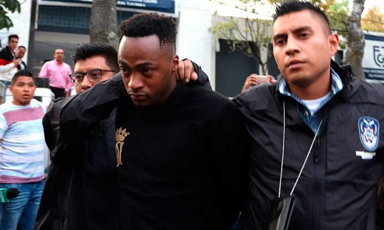 América rescinde contrato de Renato Ibarra por violencia