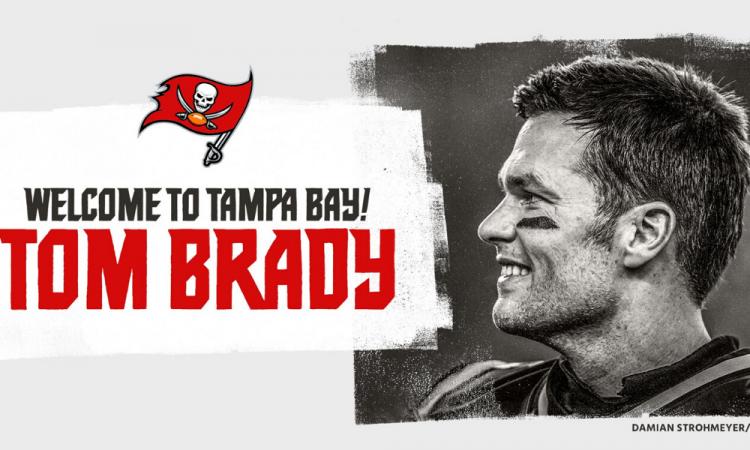 Tom Brady firma con los Bucaneros de Tampa Bay