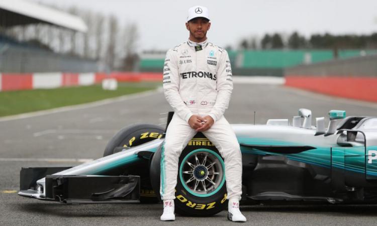 Lewis Hamilton niega que tenga coronavirus