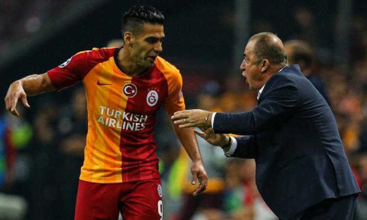 DT del Galatasaray da positivo por Covid-19; la liga se suspendió apenas el jueves
