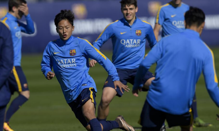 ¿Cómo entrenan hoy las futuras estrellas del Barça en La Masia?