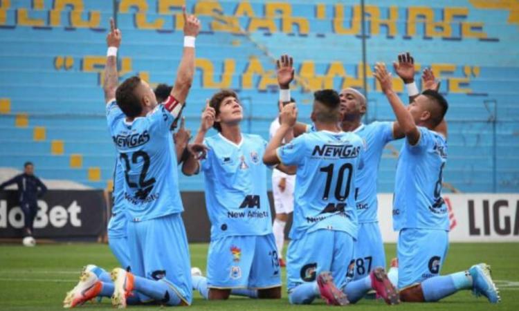 Aunque se reanude, el futbol en Perú se jugará sin público hasta vacunar a todo el país
